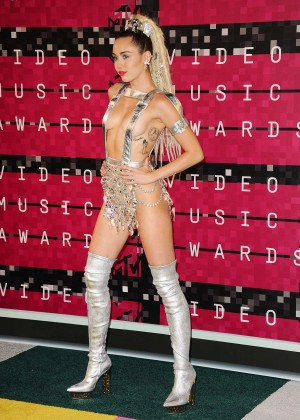 Miley Cyrus: 2015 MTV Video Music Awards in Los Angeles [adds]-69